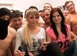 Pornoakce  #12  (Masakr) – Veroniku a její kamarádku šuká přes 80 chlápků!!