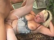 Zkušená americká pornoherečka Dana Hayes